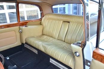 Wow 1956 Rolls Royce Vintage Limo Rental For Weddings